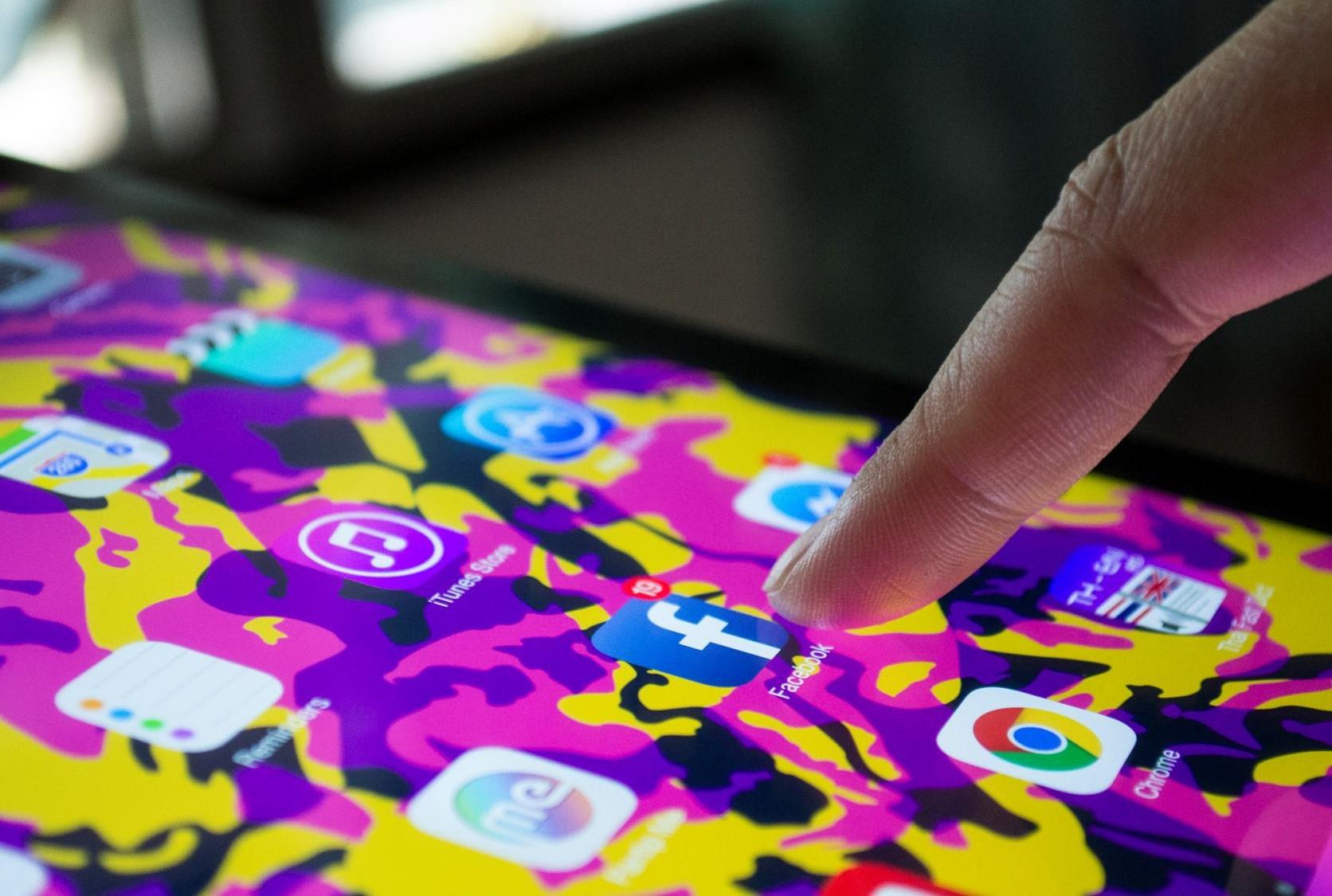 global-network-social-media